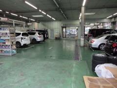 U-carと新車の併売店なのでサービス工場も完備O(≧▽≦)O