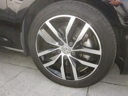 純正アルミホイル新品タイヤに交換後納車いたします。