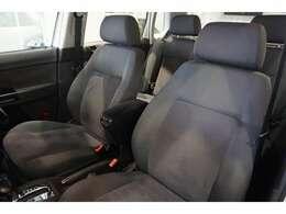 シートは、清潔感のあるシートで、シミや切れ・破れなどありません。