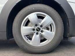【リヴォレット・スポーク】純正16インチアルミホイール!タイヤの山も十分ございます!