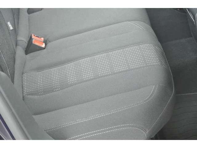Aプラン画像:運転席側後部座席シートの状態です。シミ、切れ、ヘタリ等無く綺麗な状態です。