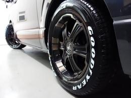 FLEXオリジナルカラー バルベロDEEPSにグットイヤーナスカーホワイトレタータイヤを新品で装着♪