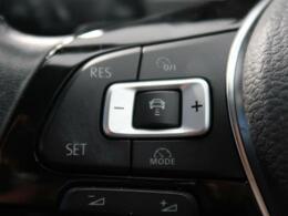●アダプティブクルーズコントロール(ACC):前の車との車間距離を一定にとりつつ、一定速度で自動走行してくれる次世代のクルーズコントロール!主に高速道路や自動車専用道路で使用する便利な機能です!