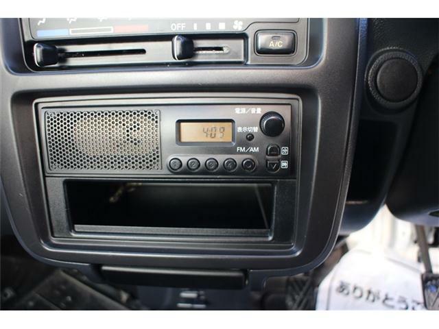 純正ラジオFM・AMが聴けます