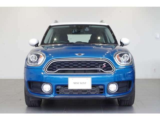 認定中古車の大型展示場!豊富な在庫からご希望の車をお探しします!