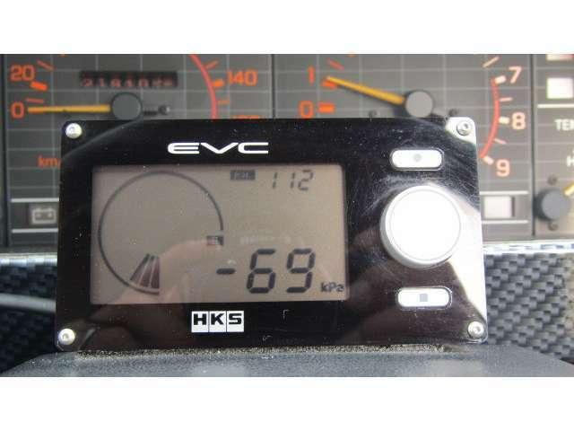 HKSの社外追加メーターでブースト圧もわかります