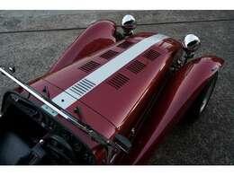 Rover 18Kエンジンは、MGFや初期のロータス エリーゼにも搭載されていた軽量なパワーユニットです。プリミティブなライトウェイトスポーツであるSEVENにはとても相性の良いパワーユニットだと言えます。