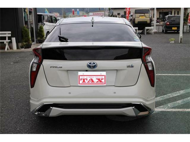 希望の車が店頭にない・・・ そんな時はご希望の車種と予算をスタッフに申し付けください! 関東関西からご希望の車を厳選して提供させて頂きます!