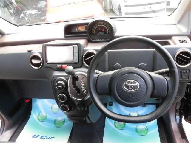 とてもスタイリッシュなデザインのコクピットです^^貴方は誰とドライブに出かけますか^^