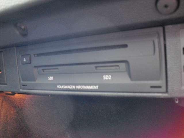 純正DVD&CD再生器です。音は良いですよ!!