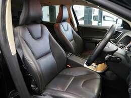 ブラックレザー&フロントシートヒーターを装備