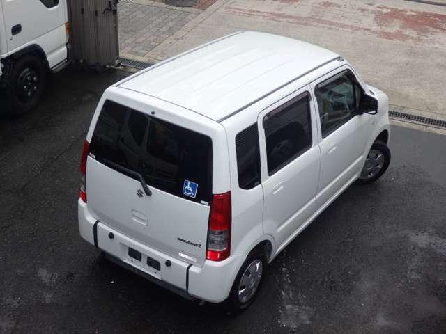 天井の状態もとても良いです。各種加装なども承っておりますので、ご相談ください。なお、車検証上の車両サイズにつきましては、長さ:339cm 幅:147cm 高さ:158cmの8ナンバーとなります!!