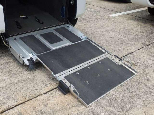 平成17年式 ワゴンR 福祉介護 車いす用スローパー チェアキャブ 電動固定装置 3人乗り 8ナンバー キーレス 純正CDデッキ入庫です!!