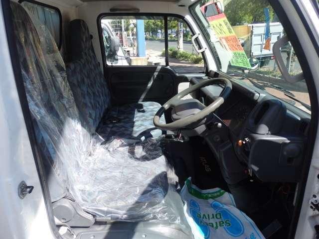 当店入庫時にルームクリーニング済みです。もちろん消臭・除菌済です。弊社は全車ルームクリーニングを徹底しております。トラックといえども妥協はいたしません!!