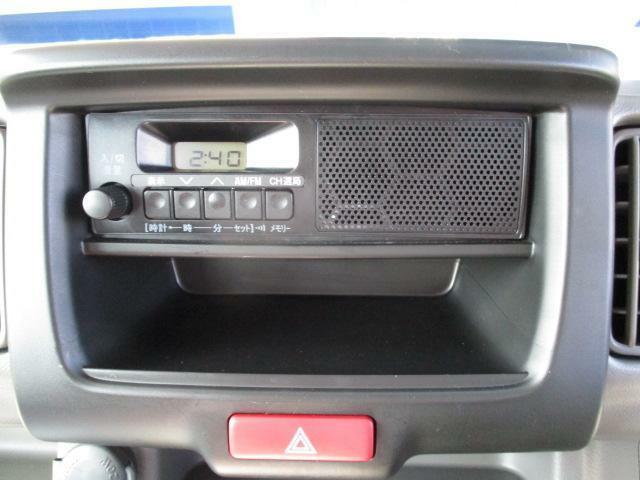 純正スピーカー付きラジオ、AM、FM使用いただけます。