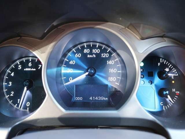 距離もまだまだ4.1万キロ!タイミングチェーン式のエンジンなので交換不要です★