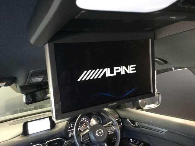 長距離ドライブにリアシートモニター!! お子様も楽しく過ごせます。
