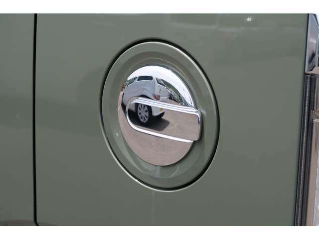 こんな見た目の良いガソリン給油口見たことありますか?