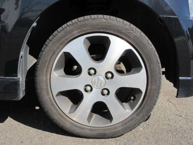 当社は全部の未使用車にメ-カ-の新車保証をお付けして販売致しております万が一のトラブルも全国ディ-ラ-店で保証対応可能です