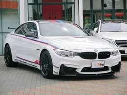 特別装備:専用Mストライプボディフィルム(ボンネット/ボディサイド/ルーフ/トランクリッド) BMW Individualハイグロスシャドーラインエクステリア(光沢仕上げブラックサイドウインドーフレームモールディング)