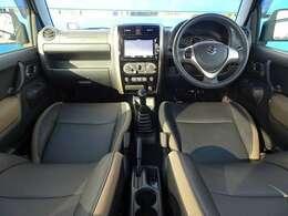◆カブロンソフトシート ◆前席シートヒーター ◆本革巻ステアリング&シフトノブ ◆キーレスキー