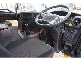 オートAC PS PW SRS ABS 集中ドアロック キーレス 左電格ミラー/ヒーター 運転席肘掛け AM/FM 別体式タコグラフ アドブルー ターボ 排気ブレーキ ミッションリターダ