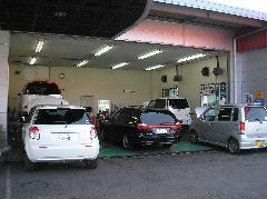 車検のコバックとして車検を承ってます。指定工場なので土日でも稼働中!無料代車もご用意。