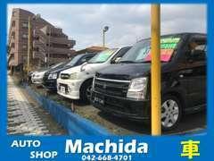 通常5台以上の在庫を展示しております。ほかの車両とも比較しながら、お車選びが可能です。