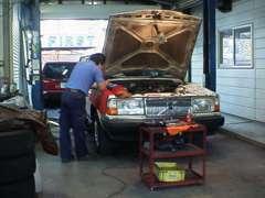 自社工場完備で車検・修理などアフターサービスも充実です