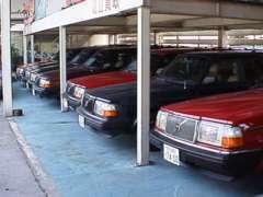 人気の240シリーズは豊富な在庫からお選びください。