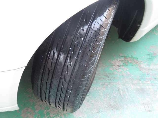 タイヤの残り溝もまだまだあります♪