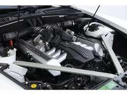 <主要諸元>6.7L V12DOHC、460ps/73.4kgm