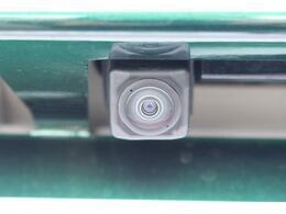 バックカメラです。見えづらい車体後方部をナビの映像で映し出してしっかりサポート!難しいバック駐車も安心です♪