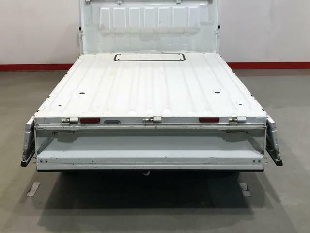 しっかり積める荷台長。脚立などの長尺物も積め、幅広い仕事に使えます!