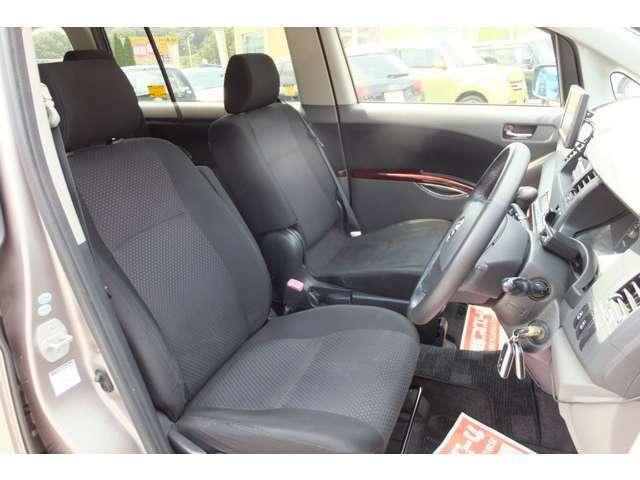 ETCももちろん装備されていおります♪便利なお車です。ETCを使うと高速料金がお安くなりますよ