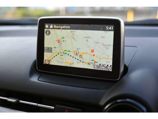 ドライブや旅行先も安心して運転できる、ナビゲーション付きです!