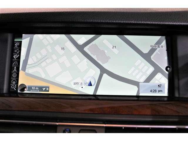 バックカメラ・前後クリアランスソナー搭載。Bluetoothなども搭載されております。