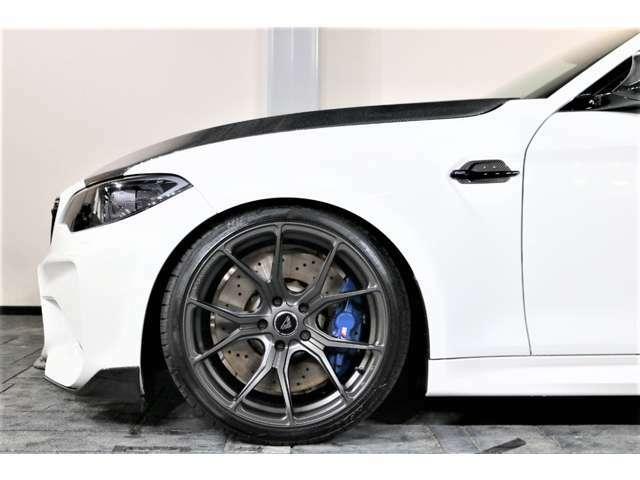 ホイールは、VORSTEINER V-FF103 19インチアルミ&タイヤ共に新品装着。