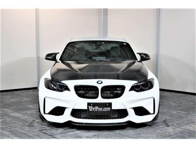 高性能スポーツ・カーのベンチマークを確立した初代BMW M3(エム・スリー)とBMW 2002(ニー・マル・マル・ニー)ターボの伝統を引き継ぐ、最もコンパクトなBMW Mモデル「M2」