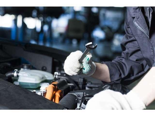Bプラン画像:法定整備とは、国土交通省の「自動車点検基準」によって定められているものです。乗用車では12ヶ月・24ヶ月に一度、行なうことが定められており、特に24ヶ月の点検は、基本的に車検の時期とも重なるため、重要です。