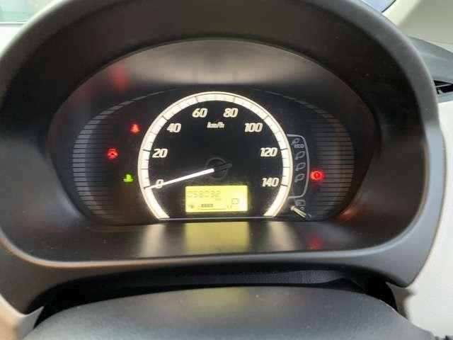 走行距離約5.8万kmのお車です!長く乗るにはピッタリのお車です!視認性も良く、ガソリンの残量も一目でわかります!