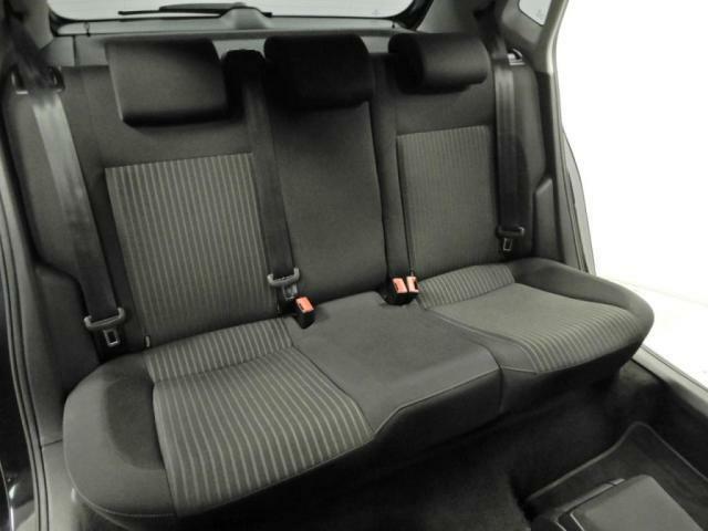 フォルクスワーゲンのシートは、ドライブ中の身体をしっかりと支え、正しい姿勢で運転することを考慮しています。