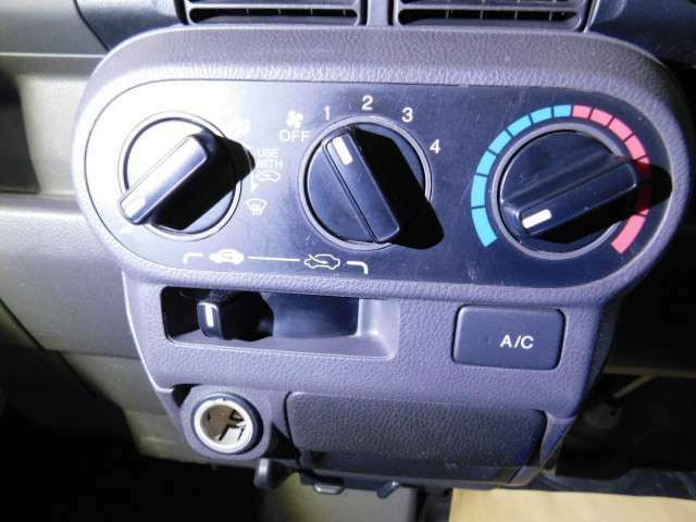 マニュアルエアコンは、操作かんたん設計です♪