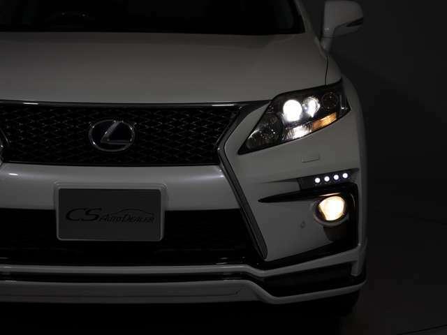 明るく、消費電力の少ない最先端のLEDヘッドライトを標準装備しております!