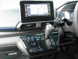 フルセグTV・CD・ナビゲーション搭載車です。長距離ドライブでも快適ですね。