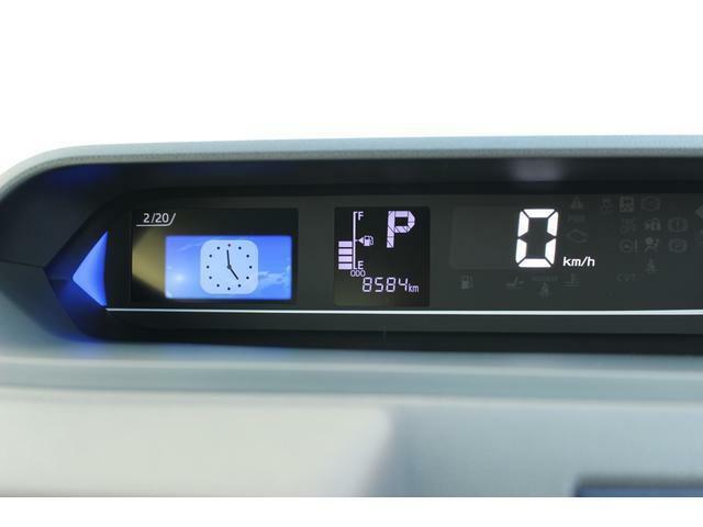 様々な運転情報を分かりやすく表示してくれるカラーマルチインフォメーションディスプレイ付きの見やすいデジタルメーターです☆運転状況に合わせて照明色が変化するドライブアシストイルミネーションも付いてます!