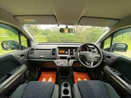 居心地のいい運転席です。広さが本当にちょうどいいです♪