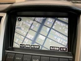 メーカーオプションのHDDナビ搭載。