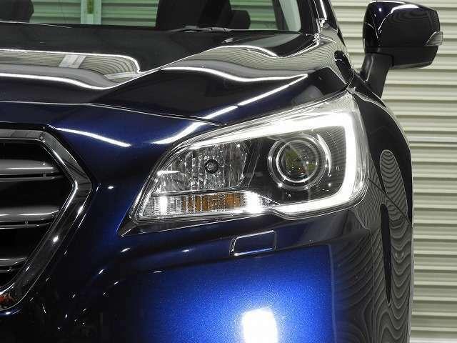 コの字型のスモールライトがスバル車でかっこいですね!