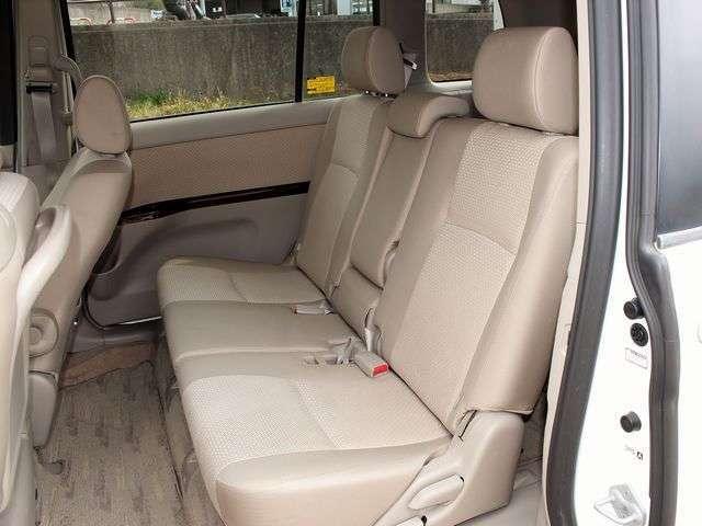 後部座席のシートも状態は良好です。気になる臭いやほつれもございません♪